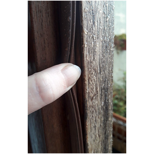 Brown REPLACEMENT MUNSTER JOINERY & WOODEN DOOR DRAUGHT SEAL Replacement Wooden Door Draught Seal compatible with Munster Joinery Timber & Most Other Wooden Doors. These wooden door seals are pretty hard wearing, however painting, keys getting caught when locking or general wear and tear in a family home can cause them to become brittle and fail.