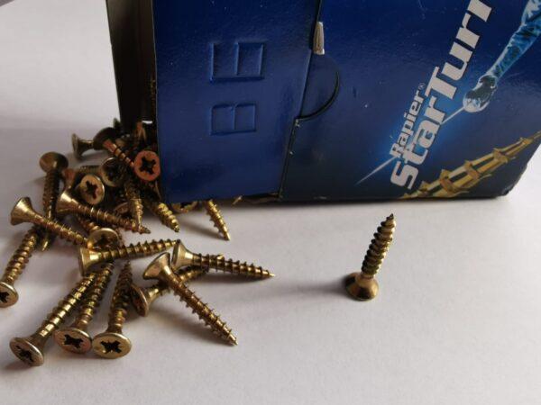 star head pvc window and door fixture screws 4.0mm x 25mm