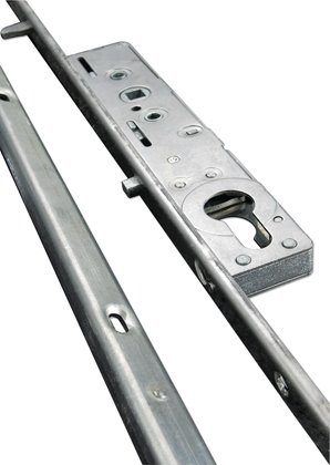 The Yale Winlock PVC sliding patio door lock is a multipoint door lock that can also be used onAluminium sliding patio doors. This sliding patio door lock has 4 hook locking points – 2 facing up and 2 facing down. When locked the upper hooks move up and the lower hooks move down. Preventing the door from being lifted up or out.v